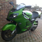 MY MACHINE.THE ALL AWESOME KAWASAKI ZX12R