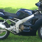 2005 Kawasaki ZZR600