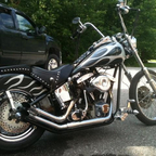 Shovelhead w/ foot clutch and jocky slap shifter